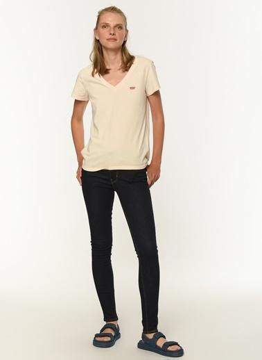 Levi's® 853410019 Perfect Vneck Scallop Ll V Yaka Kadın Tshirt Kırmızı